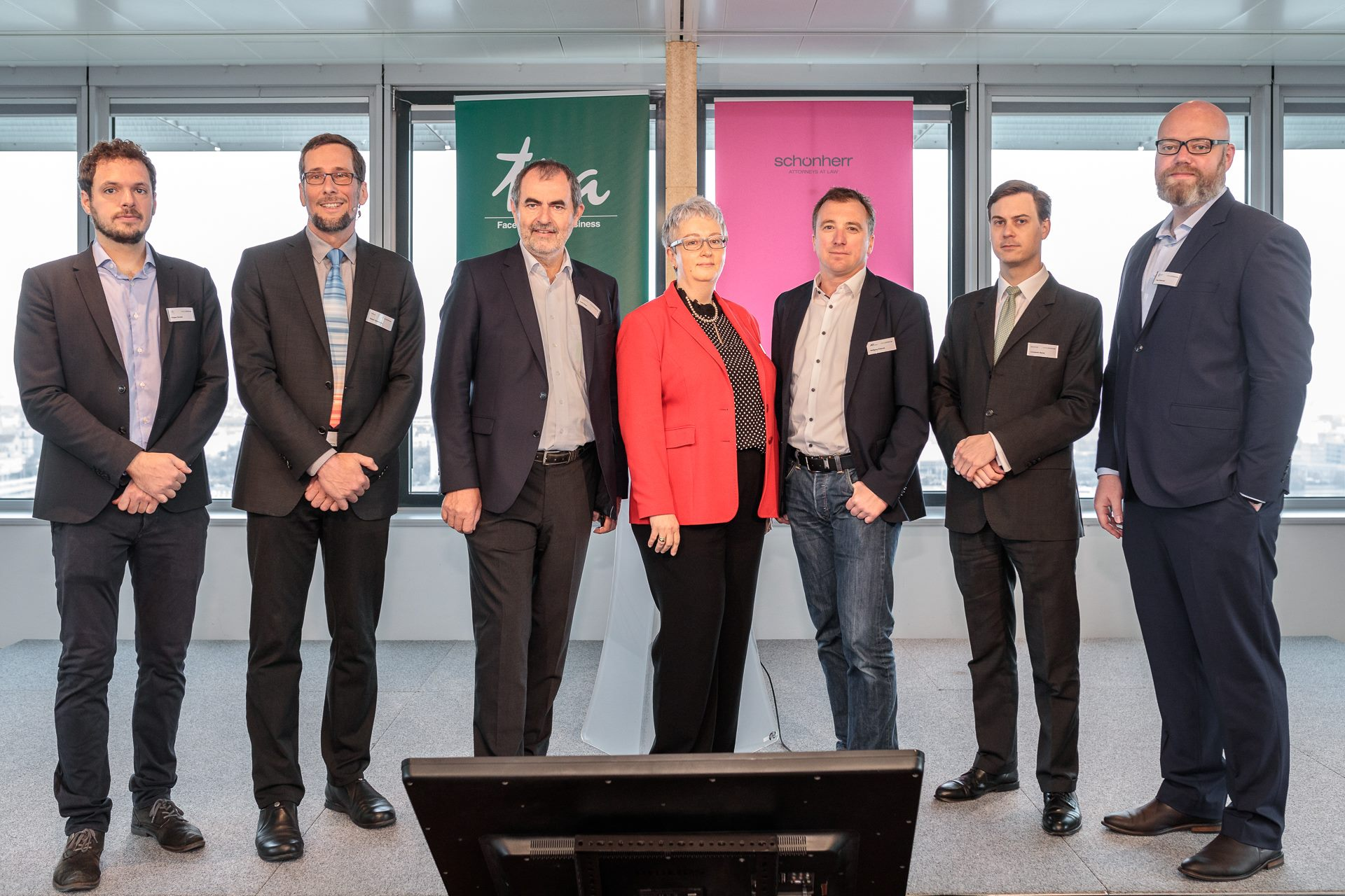 Speaker der 8. Energy Tomorrow 2019: Filippo Ferraris of Enerbrain, Volker Quaschning, Josef Plank of BM Sustainability & Tourism, Karin Fuhrmann from TPA, Wolfgang Hribernik from AIT, Constantin Benes from Schoenherr Laywers and Peter Balschek from W&Kreisel Group Foto: Alexander Müller