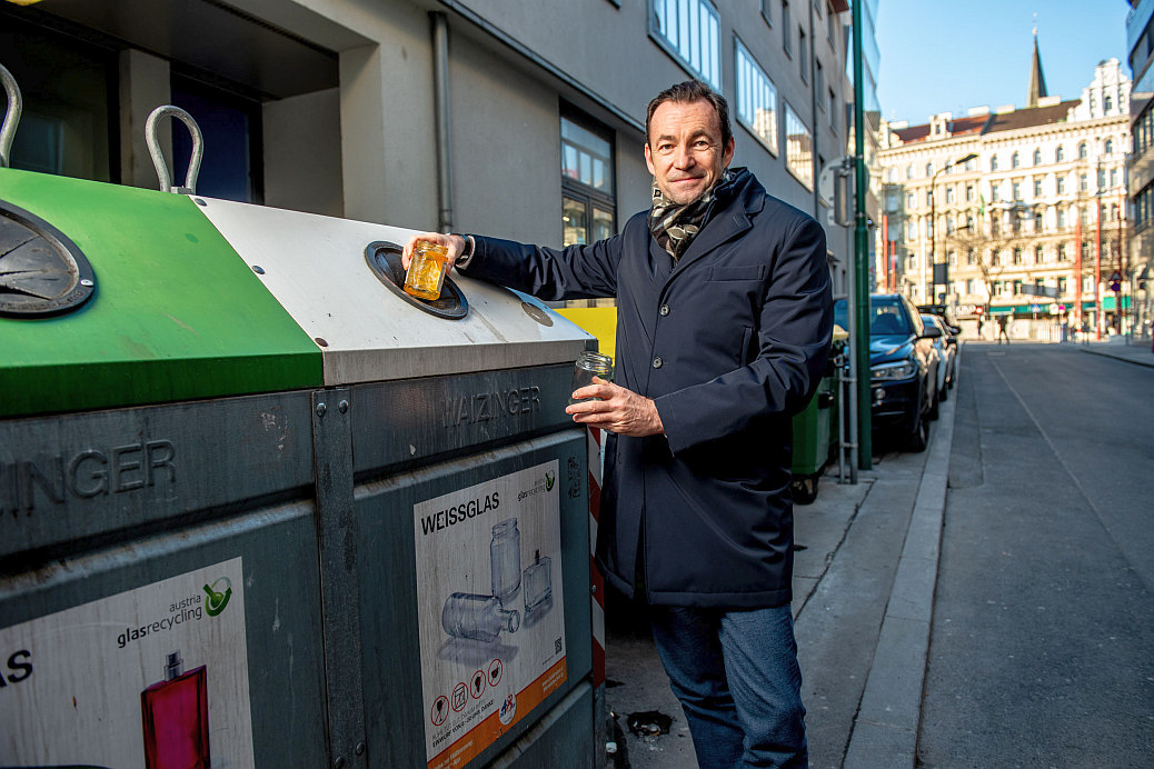 Foto: Dr. Harald Hauke (c) Austria Glas Recycling, Imre Antal