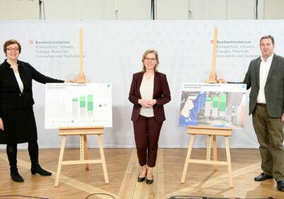 Foto: Theresia Vogel, Leonore Gewessler, Wilfried Sihn