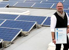 Foto: Nestro Geschäftsführer Robert Nettelnstroth Photovoltaikmodule Werk Schkölen Foto Nestro