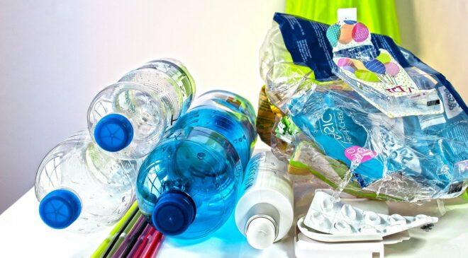 Foto: Plastikmüll richtig netsorgen
